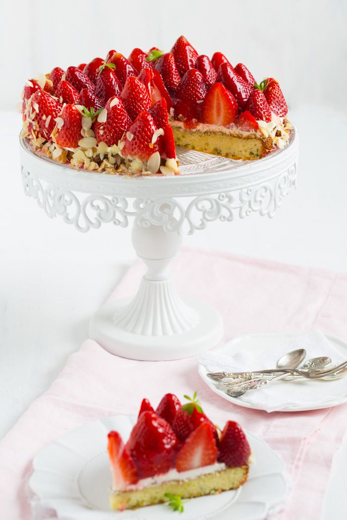 Strawberry cake with pistachio biscuit and chocolate