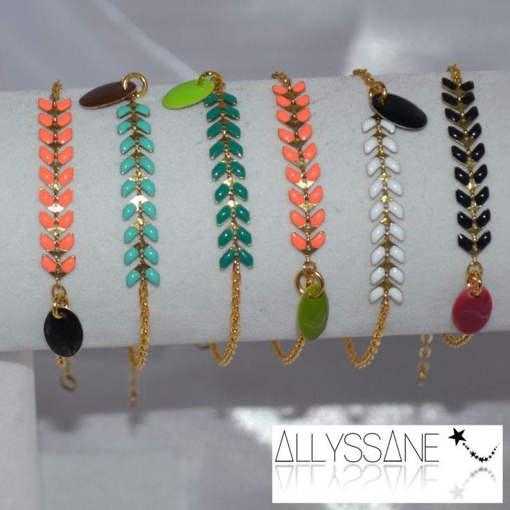 Anna: bracelet artisanal chainette épi émaillée et sequin émaillé. Bijoux sur mesure et personnalisables. Handmade bracelet with enamel chain and sequin. Custom made jewelry.