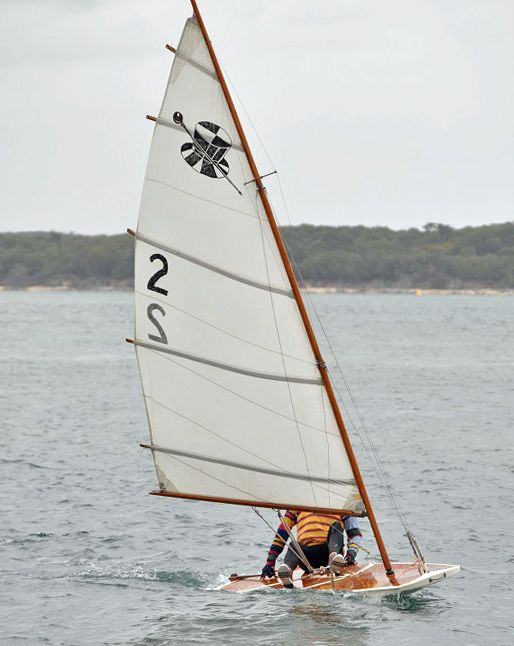 As promised, here are the plans for a sit-on-top sailing dinghy , the Australian Sailfish. The Australian Sailfish is a scow version of the...
