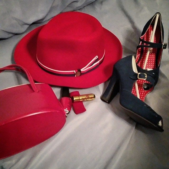 Red Stetson Aviatrix (SA), blue B.A.I.T. shoes (SA), red Besame lipstick (SA), Cinnamon Sweet OPI nailpolish (SA), and a red vintage hinged box purse. Hers is a vintage piece (thanks to G.G. Melton for the confirmation).