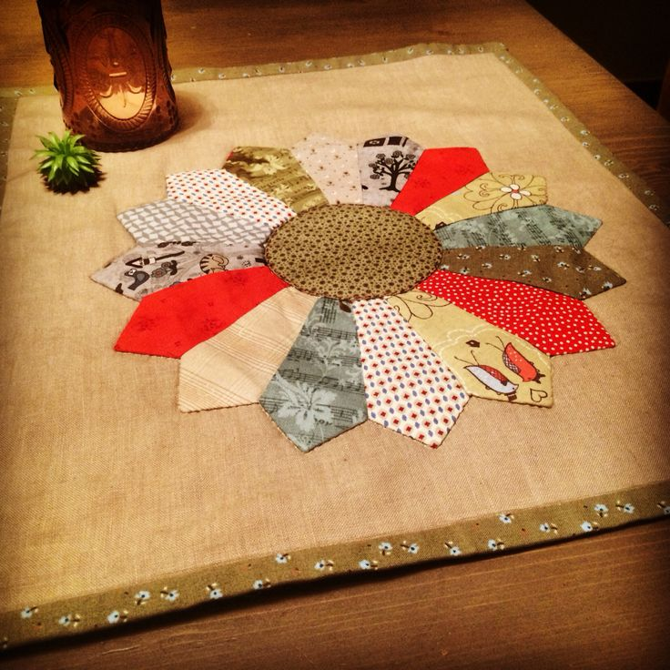 Patchwork: Dresden plate runner for a table