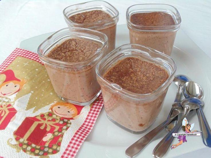 Petits pots de crème au chocolat. Recette de cuisine ou sujet sur Yumelise blog culinaire. Ces crèmes au chocolat sont délicieuses: légères, douces et d'une texture si agréable. Un succès total !