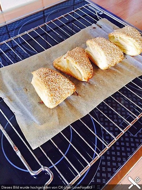 Dänische Brötchen (Breakfast Bread)