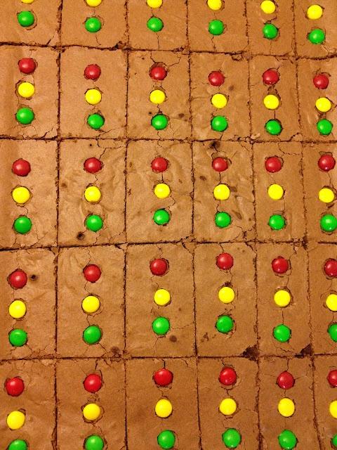 Brownie Stoplights - pinewood derby idea