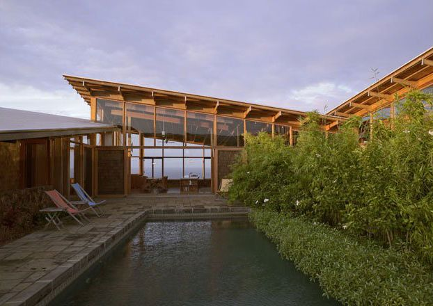 Modern Residential Architecture: Shed Roof Design