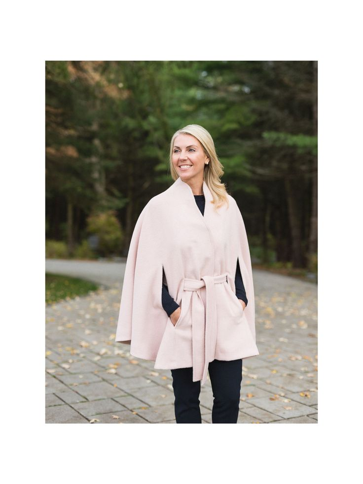 Can't get enough of this cape coat from @sentaler #madeincanada