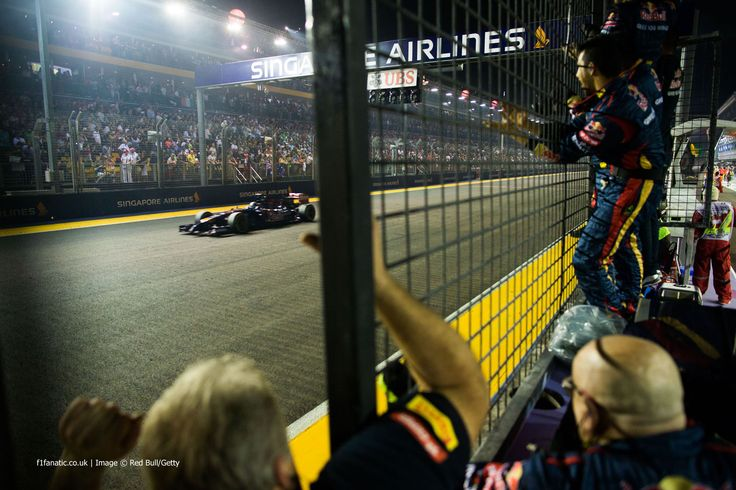 Toro Rosso mechanics cheered Jean-Eric Vergne home as he equalled his best F1 result so far with sixth place at the 2014 F1 Singapore Grand Prix