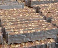 TORRONE TENERO AL CIOCCOLATO Dolce tenero tipico dell'aquilano preparato con miele dei parchi d'Abruzzo e nocciole