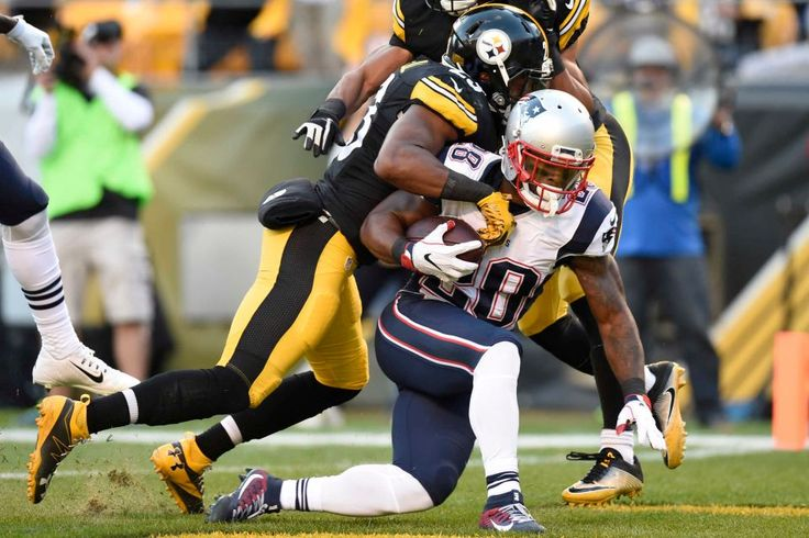 Patriots vs. Steelers:     October 23, 2016  -  27-16, Patriots  -     New England Patriots running back James White (28) scores on a screen pass from quarterback Tom Brady during the first half of an NFL football game against the Pittsburgh Steelers in Pittsburgh, Sunday, Oct. 23, 2016.