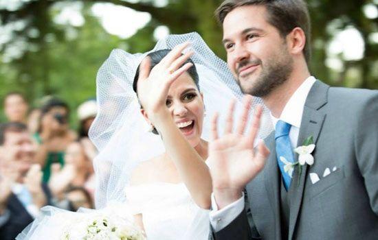 Casamento de João Philippe de Orleans e Bragança (do Brasil), filho mais velho de Dom João Henrique de Orleans e Bragança, conhecido como Dom Joãozinho, neto da Princesa Isabel, casando-se a Yasmine Paranaguá, em 2013.