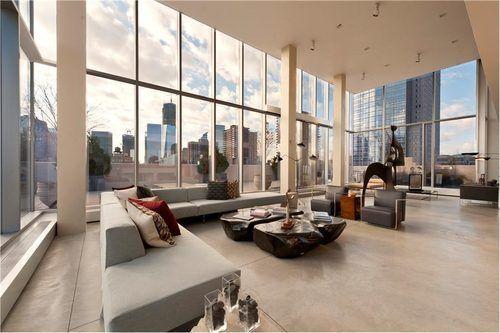 The Glassy Cube in the Manhattan Sky Returns Asking $48M