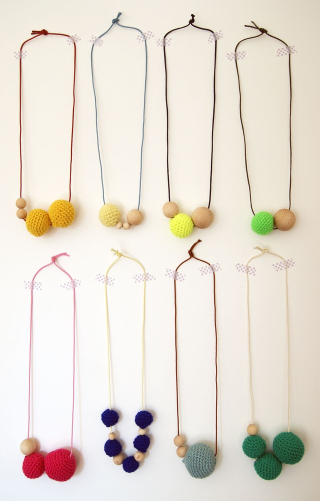 "Image of Colliers ""Perles en bois et crochet"" Milk Tooth's Rain"