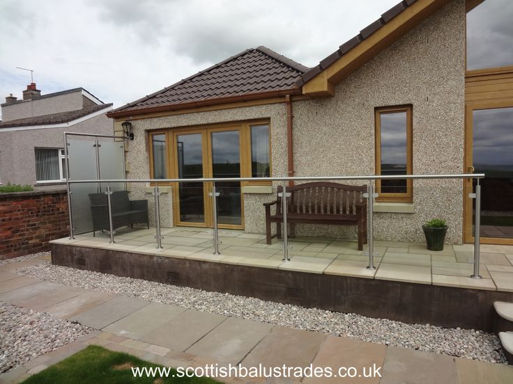 Best Standard Style Stainless Steel And Glass Balustrade With 640 x 480