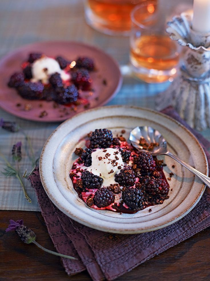 A wonderfully Scottish blackberry, rolled oat and cinnamon crumble recipe to end your Burn's Night dinner party with.