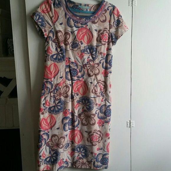 Boden dress, size 4L Fine-wale corduroy dress with pockets, never worn Boden Dresses Midi