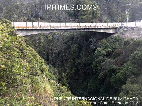 V, 1 FEB 2013. IPIALES, NARIÑO, COLOMBIA. PUENTE INTERNACIONAL DE RUMICHACA. FRONTERA COLOMBO-ECUATORIANA. ARTUR CORAL. ENE 2013. (IPITIMES.COM).