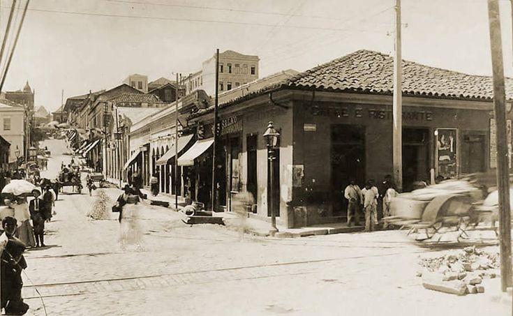 1900 - Rua São João (atual Avenida São João) esquina com Rua Formosa.