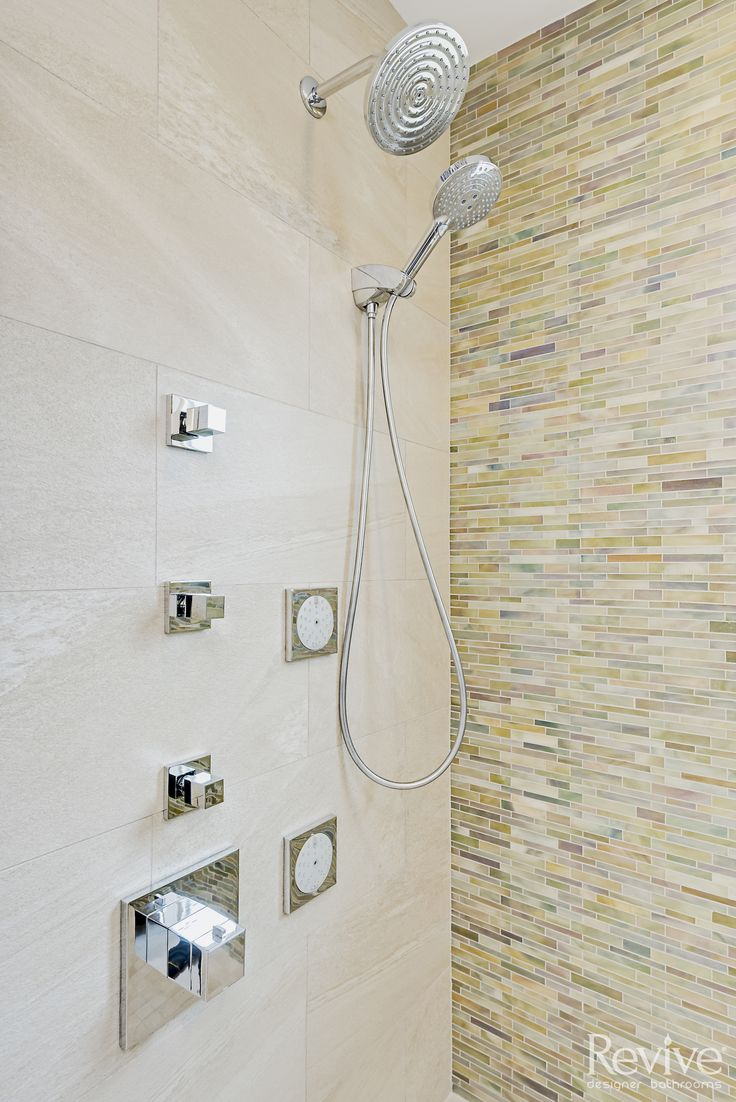 This custom shower lets the homeowners control exact temperature of  water while giving them Die besten 25 Detachable head Ideen auf Pinterest