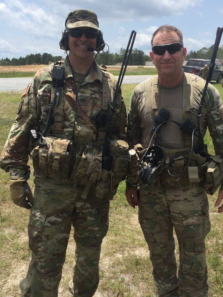 """Uživatel Robert Abrams na Twitteru: """"SOT to @OpsGp_Jrtc COG call sign """"Oscar 06""""--finishing his last rotation. Led change that has significantly improved our warfghtng readiness https://t.co/3QOSFnek07"""""""