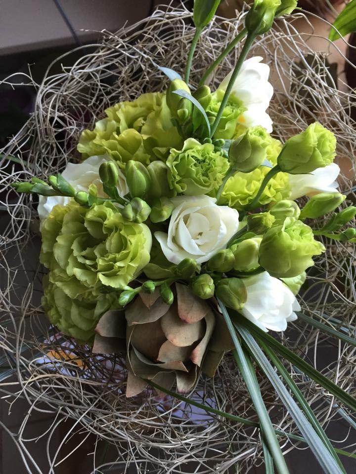 Buchet de mireasa alb-verde! www.frezia.ro