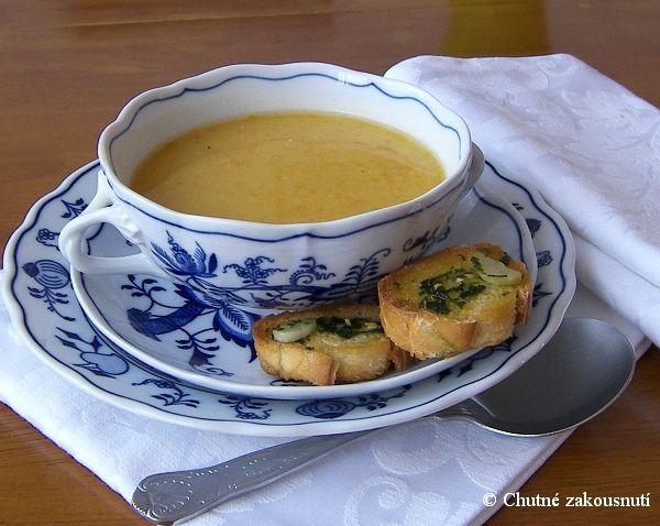 Hrachová polévka. Nejlépe ji ale děláme s badyánem a karotkou podle receptu z Apetitu: http://www.apetitonline.cz/recepty/2421-hrachova-polevka-s-badyanem.html