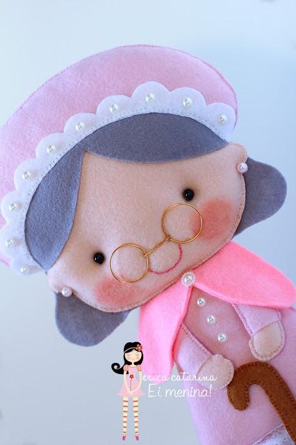 Abuelita en fieltro, preciosa! Como todo lo que hace Catarina.. ♥