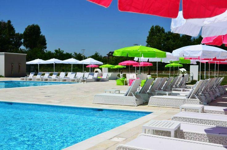 Hotel Melodia Venus. Having fun at the pool. www.haisitu.ro