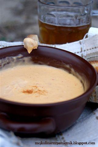 Bernika - mój kulinarny pamiętnik: Fondue serowe wg Tomka Jakubiaka z piwem