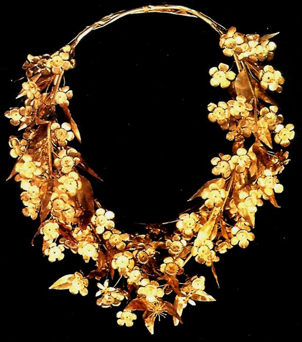 Flowering myrtle wreath, late 4th Cent. BC, Tomb of Phillip II Vergina, Archaeological Museum Thessoloniki