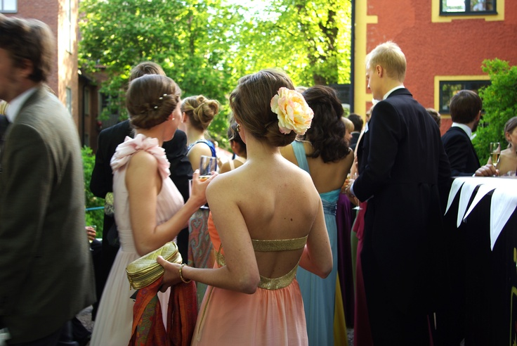 Lovley hair decoration with peony flower. Picture taken at the annual spring ball at Västgöta Nation, Uppsala SWE.