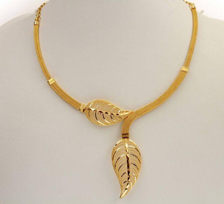 Trendy Gold Chain Leaf Design