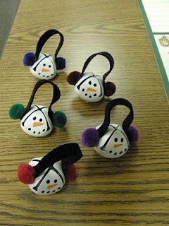 Snowman Ornaments~ Make these cute ornaments out of jingle bells. You could turn this into a cute holiday necklace and give as gifts to teachers and friends!