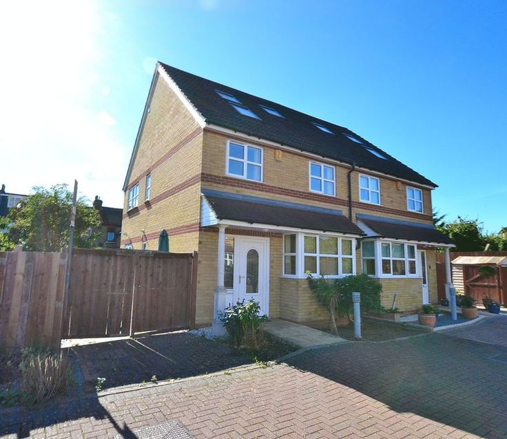 TO LET 3 BED, 2 BATHROOM HOUSE PEAR TREE CLOSE #BROMLEY  http://www.vincentchandler.co.uk/properties-to-let