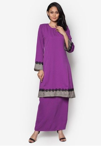 Baju Kurung Pahang from Gene Martino in Purple When the occasion calls for traditional wear, then it is only apt to dress for the part. Gene Martino saves us the trouble of searching for the perfect baju kurung by crafting a fantastic one for us. Featuring an overall minimal design blessed wi... #bajukurung #bajukurungmoden