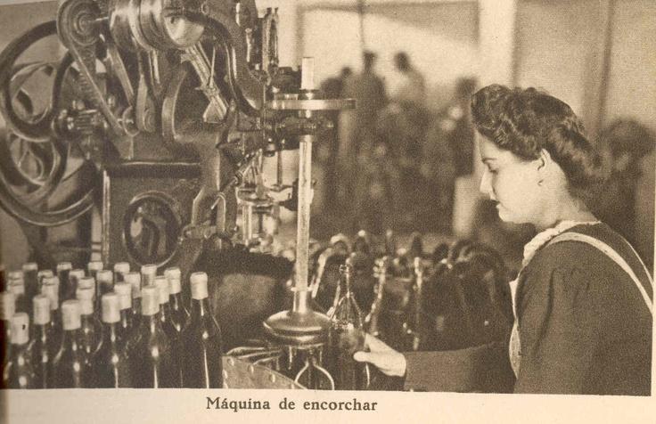 Máquina de encorchar. / Corking Machine.