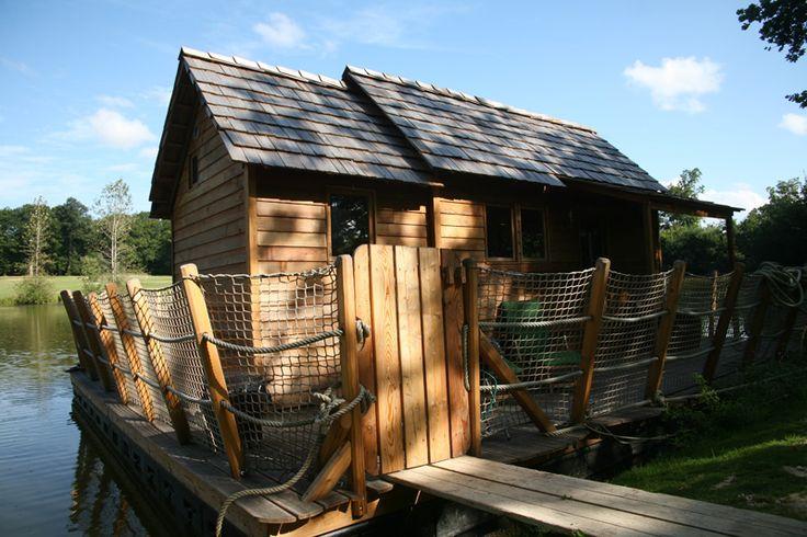 les 13 meilleures images propos de cabanes sur l 39 eau sur. Black Bedroom Furniture Sets. Home Design Ideas