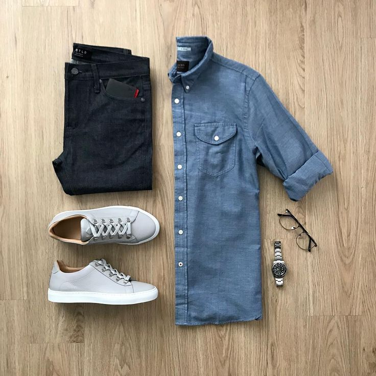"4,414 Likes, 35 Comments - Junho (@mrjunho3) on Instagram: ""If it's blue, I will take it. Please rate this outfit 1-10 below ⤵️ Shirt: @jachsny Blue Washed…"""