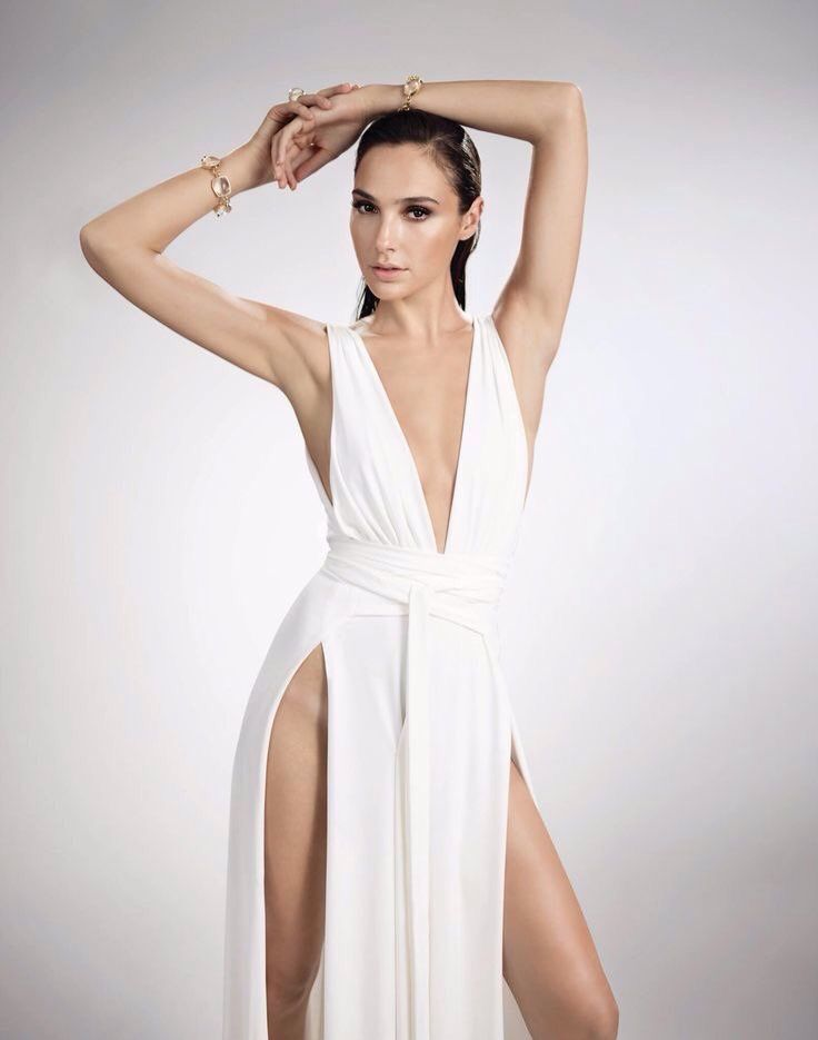 Gal Gadot Hot Sexy Ass Legs Boobs Cleavage Swimsuit Bikini
