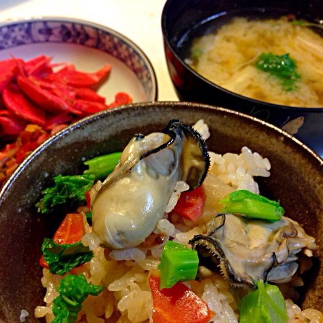 味噌汁と赤カブの漬物を添えて - 69件のもぐもぐ - 牡蠣ご飯で締め by sasachanko