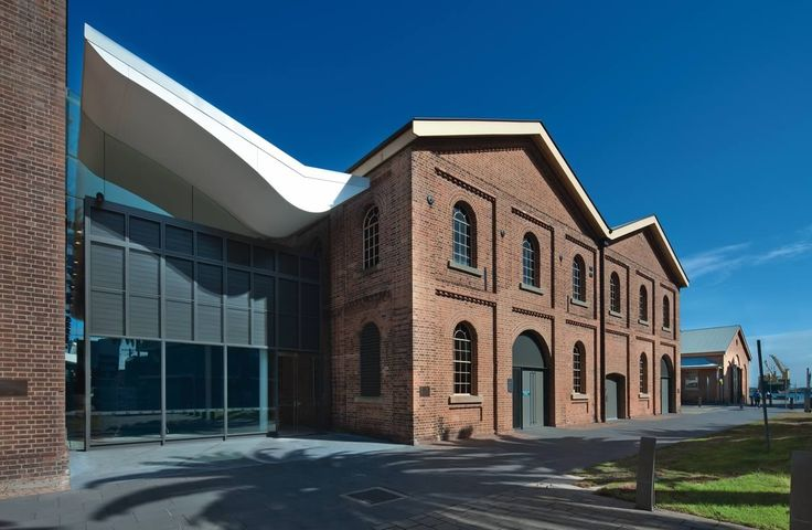 our new museum - Victorian industrial architecture with modern annex - it's free, it's busy, it's on the harbour, it's a beauty!
