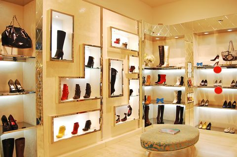 Dubai Podiatry Centre | Dubai Podiatrist - Choosing Shoes - Some Tips