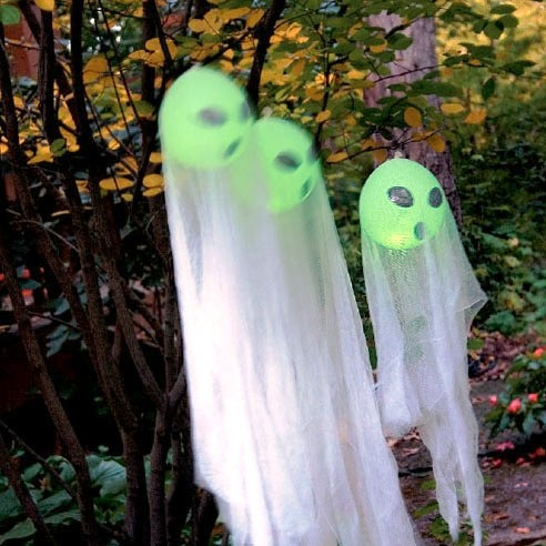 Fun idea for those balloons with the glow sticks inside.