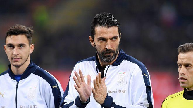 WM-Quali: Gianluigi Buffon mit großer Geste vor Italien - Schweden