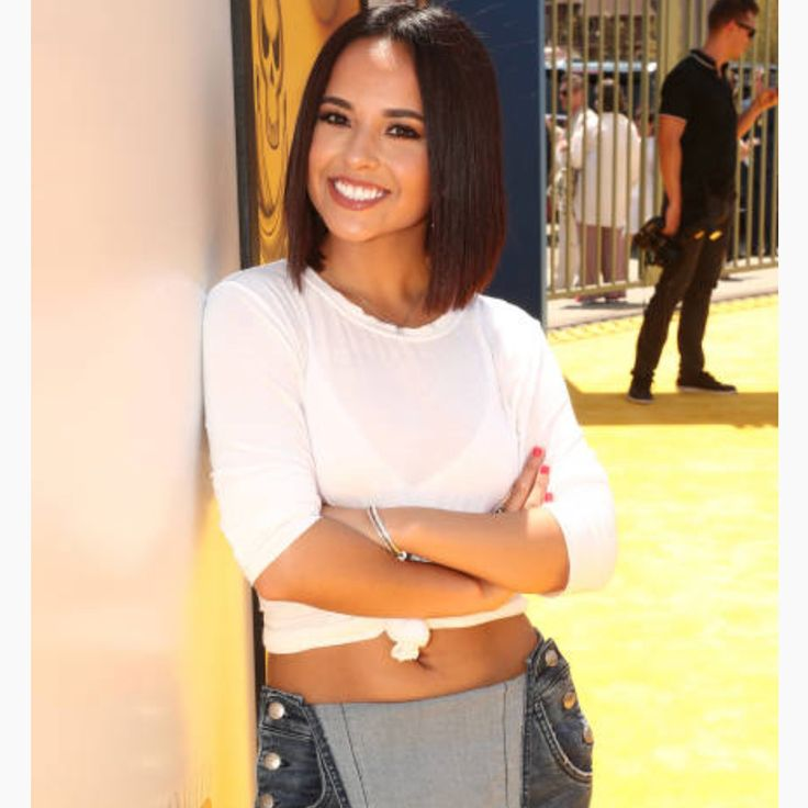 """""""Mi piace"""": 102, commenti: 1 - Becky G. Updates  (@beckyguptodate) su Instagram: """"More photos of Becky attending the premiere of Universal Pictures and Illumination Entertainment's…"""""""