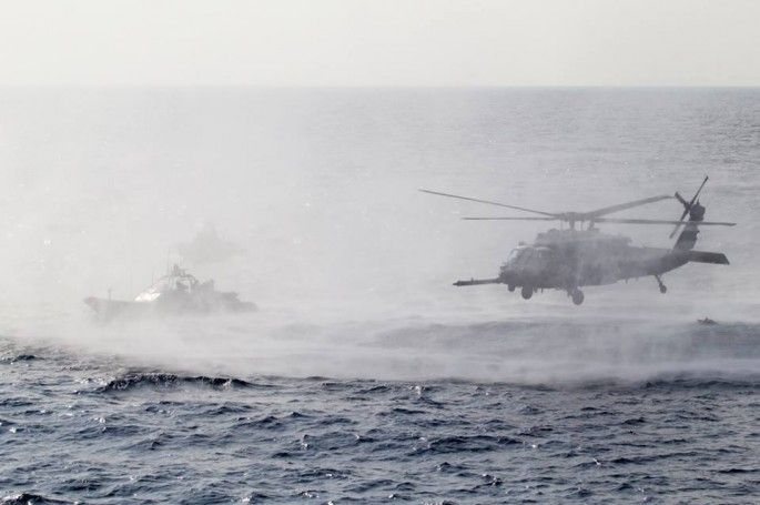 [Photo] HH-60G Pave Hawk helicopter during an anti-piracy boarding exercise