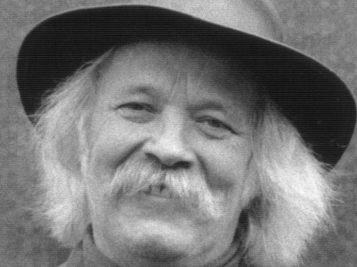 """Peter Blanker 11-06-1939  Nederlands dichter en artiest. In 1981 scoorde hij een onverwachte nationale top 10-hit met """"'t Is moeilijk bescheiden te blijven"""", een vertaling van """"It's hard to be humble"""" van de Amerikaanse countryzanger Mac Davis.  In 2003 werd een landelijke tournee georganiseerd om met zijn vaste muzikale begeleiders zijn veertig jarig artiesten-jubileum te vieren. Daarna ging hij op de Shetlandeilanden wonen.  https://youtu.be/3XHWIEZawRw"""