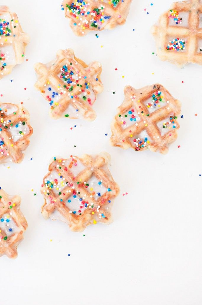 HOW TO MAKE SPRINKLED WAFFLE COOKIES