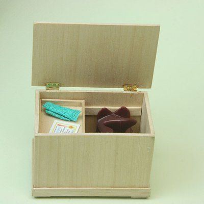 Build a Simple Wooden Chest or Riding Tack Trunk in Dolls House Scale