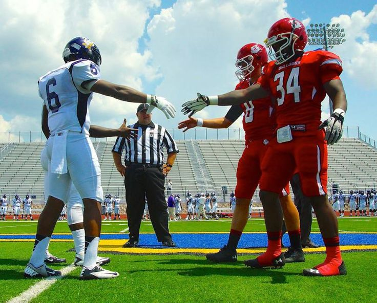 Our College Football America Publisher, Kendall Webb, made his first stop in East Texas on Saturday afternoon in Corsicana, Texas, to see the Navarro Bulldogs host Arkansas Baptist in the season opener for both teams. Navarro College was a Top 5 team in our College Football America Junior College Top 30, released earlier this week.  Kendall filed this photo from the game. Does it not look like a video game? It was a gorgeous day in Collin Street Bakery country.
