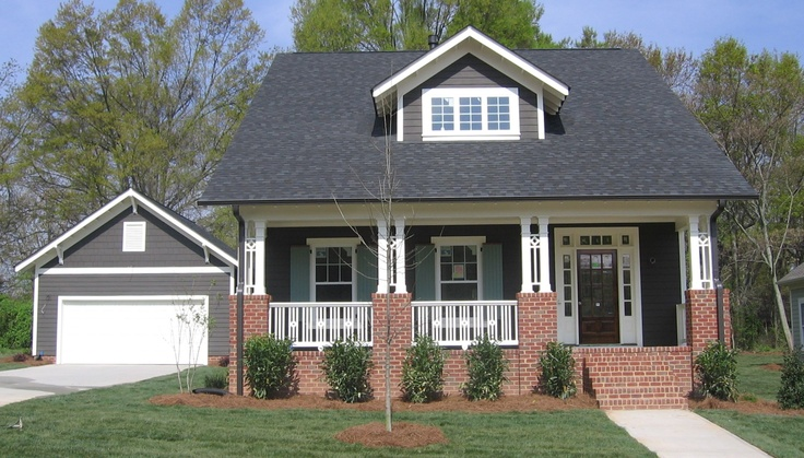 Craftsman style abounds in this quinn satterfield home for Pinckney garage door
